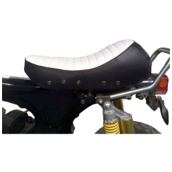 Seat Dax 2.5 / 3.5L cafe racer look white and black side