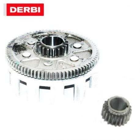 Clutch house Derbi euro3 with sprocket.